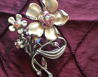 BSK Flowers Mid-Century White Enamel Brooch Pin with Pink Aurora Borealis Stones