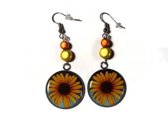 "Earrings dangle flower ""yellow Daisy"" / gift/birthday"
