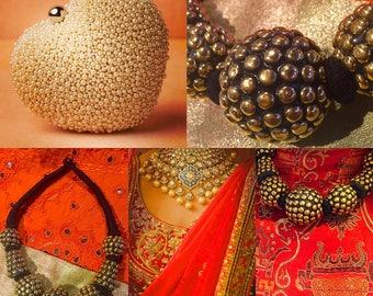 Chic necklace Golden balls