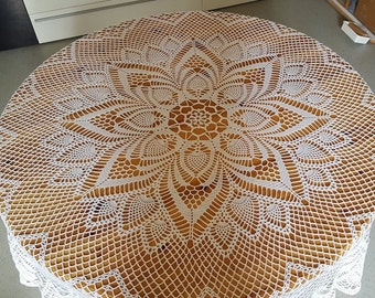 Stunning tablecloth crochet new diameter 180 cm, hand made, about 200 hours of work.