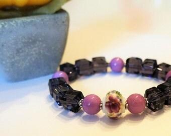 Pearl bracelet elastiqie, porcelain, glass beads
