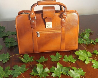 HandMade Leather Messenger Briefcase bag for Men and Women