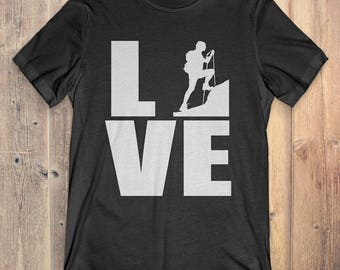 Hiking T-Shirt Gift: Love Hiking