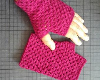 Pretty fuschia flowers crocheted mittens