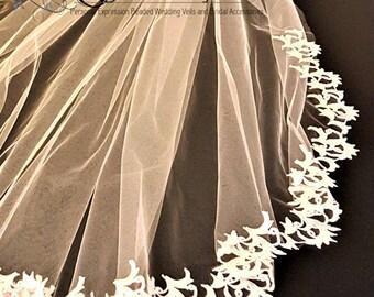 Short Veil with Lace / Bridal Veil with Crystals / Short Lace Veil / Crystal and Pearl Veil / Scalloped Edge Bridal Veil /Wedding Veil