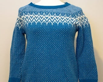 Vintage 1960's Telluride Blue pull over sweater. Row of small white pom pom's along yoke design