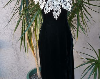 1990's Jessica McClintock long black dress, crocheted white collar, v-neck, formal gown, fitted , designer