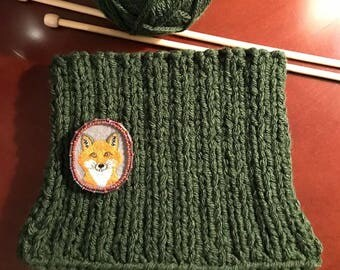 Handmade brooch with depiction of fox