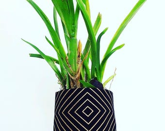 Black and Gold Geometric Deco Stripe Print Fabric Plant Pot | Textile Geofabric Planter | Beautiful Gift for Gardeners | Small Size