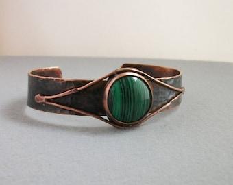 Antiqued Hammered copper cuff with round malachite cabochon, copper bracelet- copper jewelry- hand forged- stone bracelet- mens cuff- MEDIUM