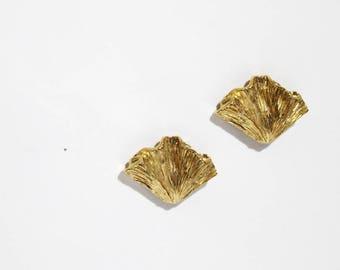 1960s Gold Leaves Stud Earrings
