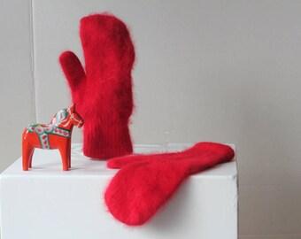 Vintage ruby red angora wool mittens scandinavian women's Christmas winter
