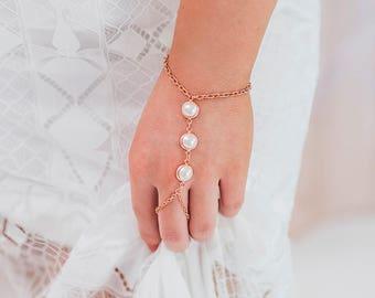 Roxanne Hand Chain, Bohemian Bracelet Ring, Slave Bracelet, Rose Gold Hand Chain, Pearl Bracelet Ring, Boho Jewelry, Hand Piece