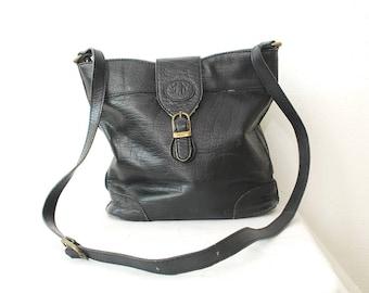 80s 90s JANE SHILTON leather bag. black distressed leather bucket bag. leather shoulder bag. cross body bag