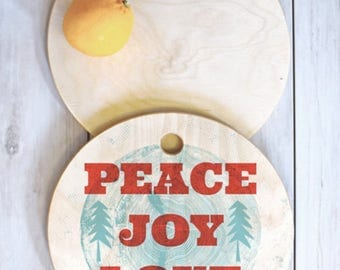Christmas Cutting Board // Serving Board // Kitchen // 3 Sizes // Round, Square, Rectangular // Peace Joy Love Woodcut Design // Birch Wood