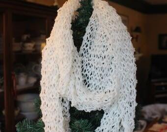 Foulard infini tricoté en laine (50 %)