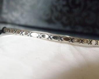 Vintage Unsigned Beau Sterling Silver 925 Polka Dot Geometric Design Bangle Slip On Bracelet