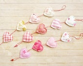 Heart chain garland ornament decor bunting 2 option rose pink white shabby chic door hanger housewarming baby shower hostess Valentines gift