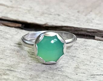 Elegant Minimalist Bright Green Chrysoprase Solitaire Sterling Silver Ring | Green Gemstone Ring | Chrysoprase Ring | Silver Ring |