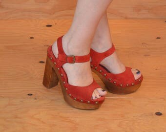 Unique Red Hot Suede Wooden Platform Sandal High Heels With Ankle Strap SZ 8.5 / 9