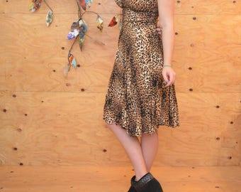 Vintage 50's Style 90's Dress Leopard Print Midi A-line Skirt Key Hole Bust Summer Dress SZ Medium