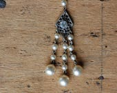 Vintage Art Deco faux pearl tassel necklace with rhinestone accent