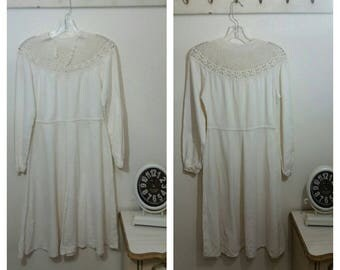Vintage 1970's Cotton/Gauze Dress, Crochet Neckline, size M/L. Gypsy, Boho, Hippie