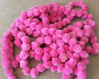 """Vintage 1960s 1970s Pom Poms Dingle Balls 192 On A Band Pink 147"""" In Length Arts Crafts Sewing"""