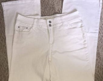 Vintage Women's Mom Jeans Made By Liz Claiborne Size 10 White Stretch Trouser