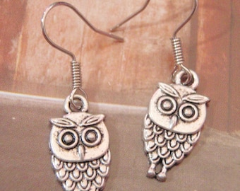Elegant Antique Silver Cutie Owl Earring