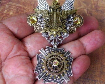 Steampunk Royal Medal (P723-2) Aviator Style Pin, Brooch, Diesel Punk, Aviation, Crest, Winged Emblem, Tie Tack Fasteners