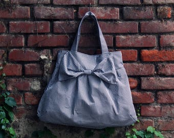 Bow bag, shoulder bags, hobo bags, tote bags, pleated bags, white and black bags, mothers birthday. Sustainable accessories, made in Italy