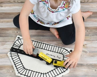 Organic Train Storage Bag, Natural Train Roll, Eco Birthday Gift, toddler train gift, eco-friendly toys, waldorf toy, pretend play,