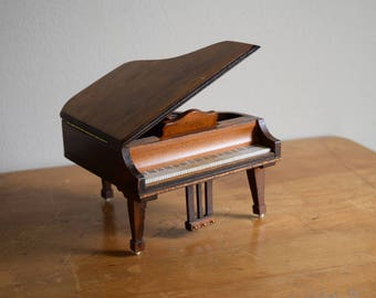 Vintage Wood Shackman Dollhouse Grand Piano - Miniatures
