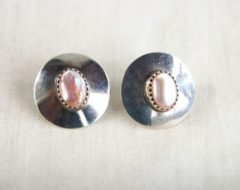 Pink Mother of Pearl Earrings Vintage Southwestern Sterling Silver Circle Posts Southwest Jewelry Round Discs