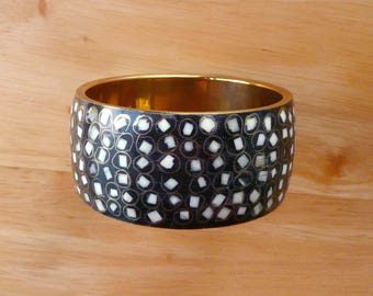 Unique Bangle Brass, Black White Gold Squiggle Shapes Vintage Retro