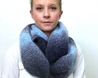 Soft 'n Squishy Super Infinity Scarf: Blue Pattern Boucle
