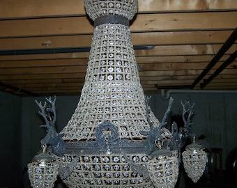 chandelier,deer antler chandelier,large deer head lighting,deer chandelier,antler chandelier,mule antler chandelier.empire style,glass,brass