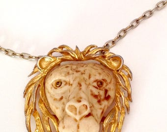 Vintage Razza Lion pendant necklace gold and silver metal 70s jewelry