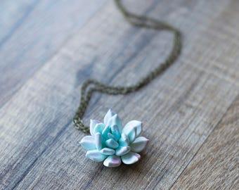 Succulent necklace - succulent pendant - plant jewelry - succulent jewelry - terrarium pendant - botanical pendant - floral nature pendant