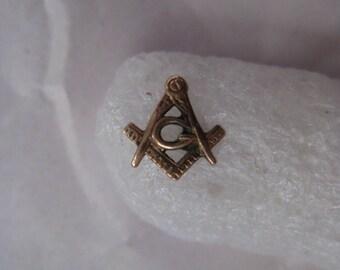 Masonic 10K Solid Yellow Gold Pin Tie Tack Lapel Vintage Karat KT Masons Square Compass