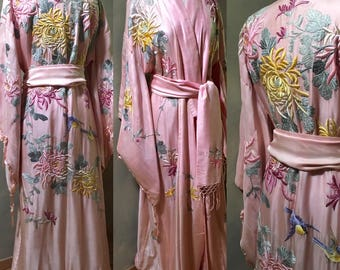 Exquisite Pink Silk Japanese Kimono Robe Early 1900's Finely Embroidered Huge Chrysanthemums