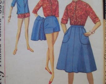 Wrap Around Skirt, Shorts, Shirt, and Scarf Vintage Simplicity Pattern 4899 Size 12
