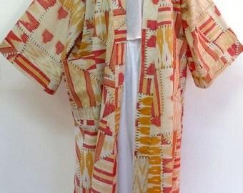 kimono robe de chambre blanc et jaune orange  en coton tissé imprimé patchwork et ikat