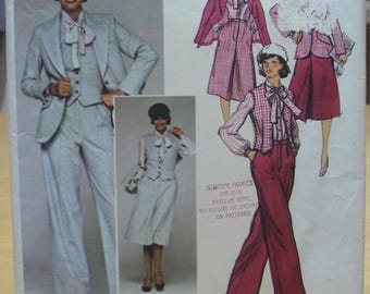 Free shipping! Vogue 1369 Calvin Klein designer outfit Size 8 sewing pattern UNCUT with fabric tag!