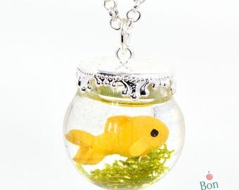 Goldfish Fishbowl Pendant Necklace, Miniature Resin Fish Tank, Polymer Clay Miniature Goldfish, Fish Jewelry, Resin Necklace