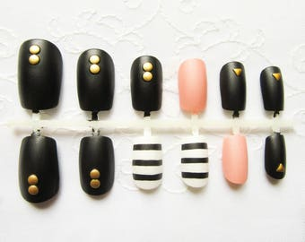 Studded Matte Fake Nails / Press on Nails / Acrylic Nails / False Nails / 3D Nails / Matte / Nails / Pink / Black