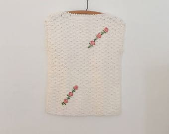 Short-Sleeve White Crochet Top with Appliques - 1980s