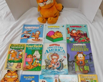 vintage Garfield the Cat large plush and 12 books