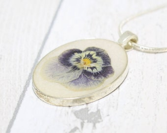 Pressed Flower Necklace, Pressed Pansy, Pansy Necklace, Real Pansy Flower Pendant, Gift for Her, Unique Necklace, Flower Jewelry, Pansies